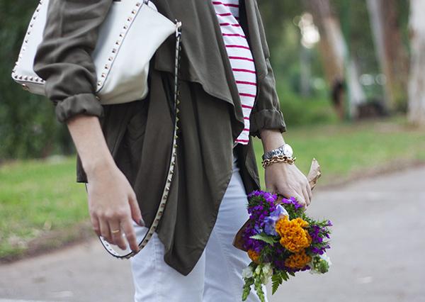 draped utility jacket, stripe shirt, valentino rockstud bag, baby bump, בלוג אופנה ישראלי, בגדי הריון, אופנת הריון, סטייל בהריון, חולצת פסים, פסים