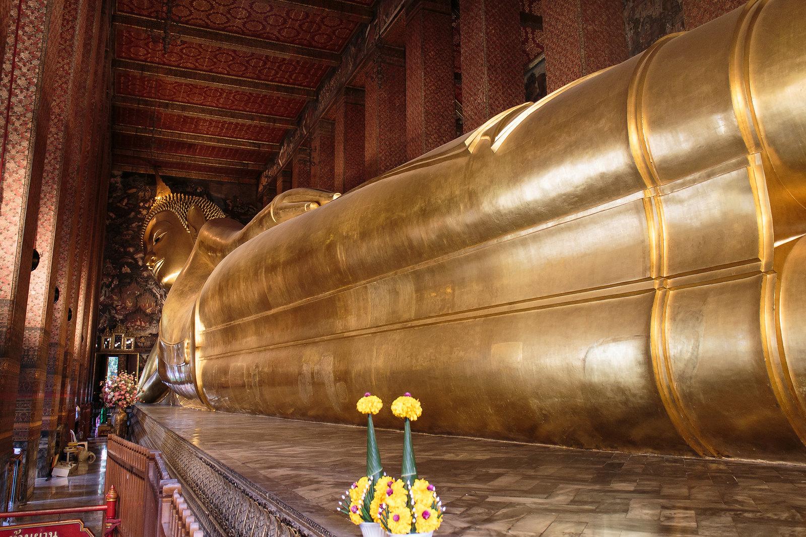 בנגקוק - מקדש הבודה השוכב