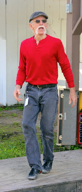 Jig Dancing man in red