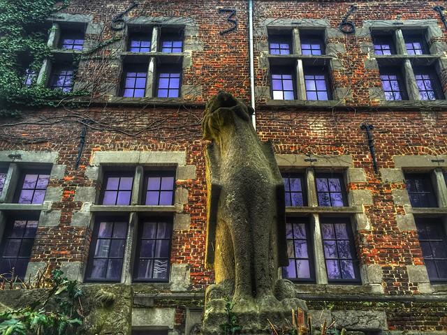 Edificio de Mons (Valonia, Bélgica)