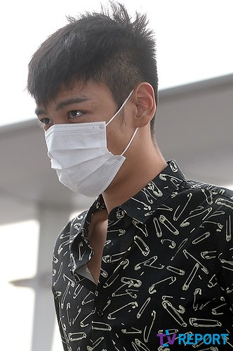 BIGBANG Incheon Airport to Shanghai Press 2015-06-19 023