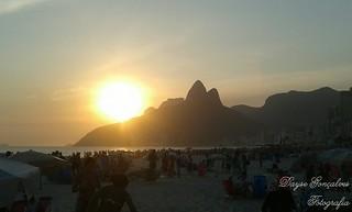 Pôr do Sol mais que iluminado!  Praia de Ipanema - Rio de Janeiro - Brasil