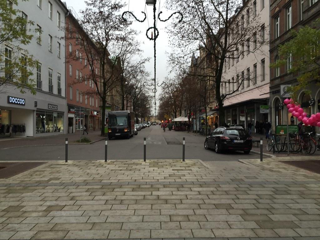 Neue Fußgängerzone: Regensburg hat aus hässlicher Maxstraße