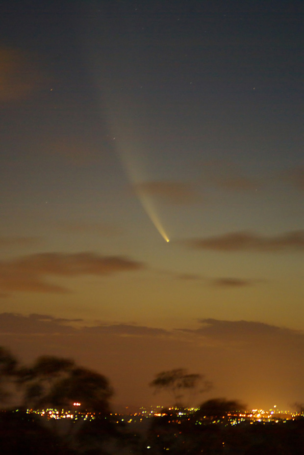 Comet McNaught photographed by Craig Jewell