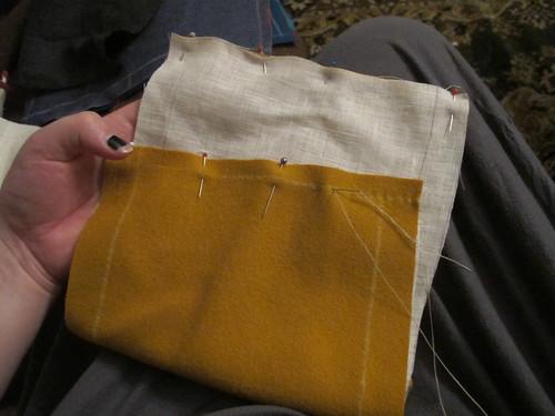 Medieval textile purse - 1