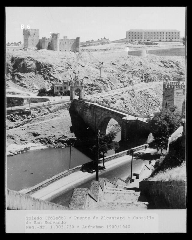 Castillo de San servando en 1952. Fotografía de Erika Groth-Schmachtenberger ?