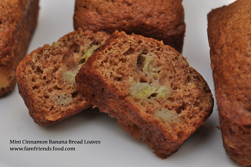 Mini Cinnamon Banana Bread Loaves