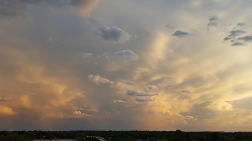 sunset bartlesville soonerpark cloudsstormssunsetssunrises galaxys6 soonerparktower