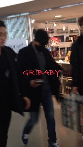 Big Bang - Kansai Airport - 19jan2015 - Seung Ri - GRIBABY - 01 copy