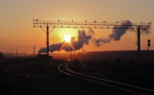 china railroad november sun train sunrise mine desert transport engine rail railway trains pit steam mining xinjiang locomotive coal railways js gobi contrejour gantry 2014 contrajour 282 6209 gassteam sandaoling