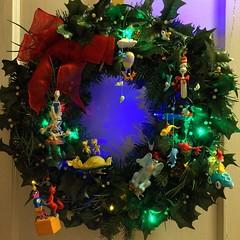decor(0.0), christmas tree(0.0), christmas decoration(1.0), wreath(1.0),