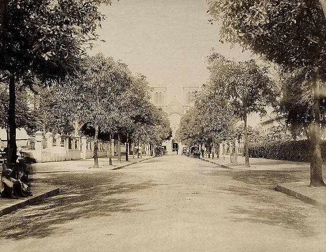 SAIGON ca 1885 - Rue Catinat và Nhà thờ Đức Bà