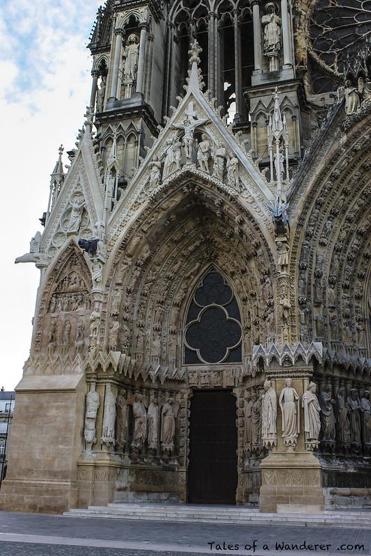 REIMS - Place du Cardinal Luçon - Cathédrale Notre-Dame de Reims