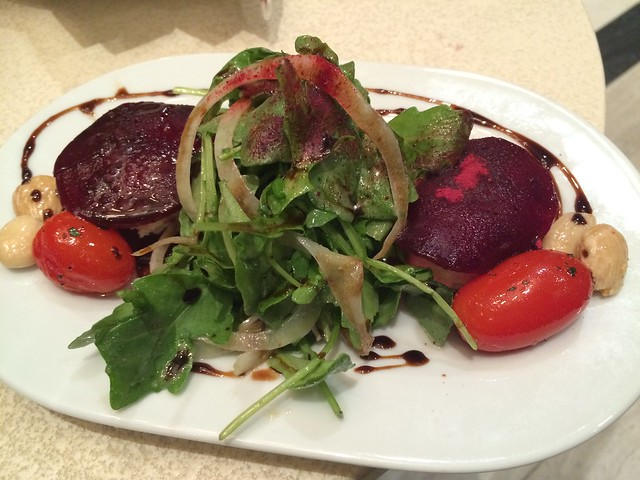 Cherry Glen Farms goat cheese salad - Jardenea