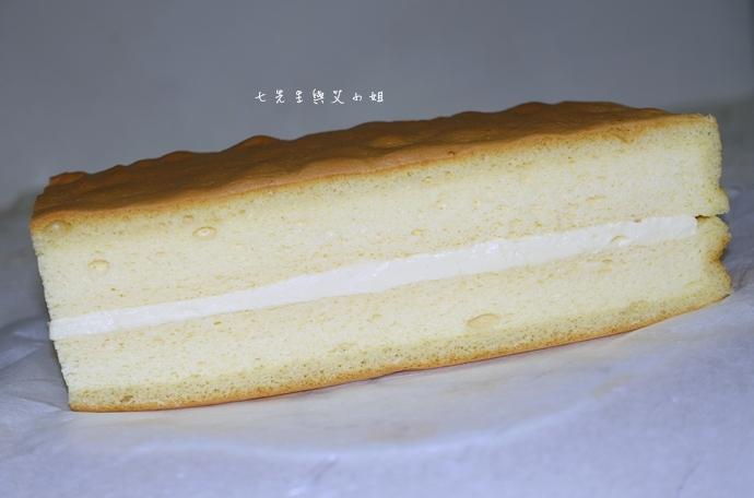 27 法國的秘密甜點諾曼地牛奶蛋糕北海道生淇淋捲森林莓果佐起士