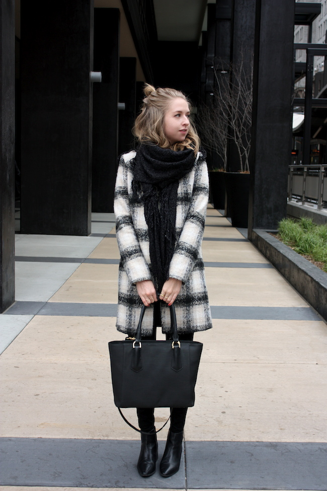 chelsea+lane+zipped+truelane+blog+minneapolis+midwest+fashion+style+blogger+lulus+plaid+coat+zara+black+leather+ankle+booties+dagne+dover+mini+tote4