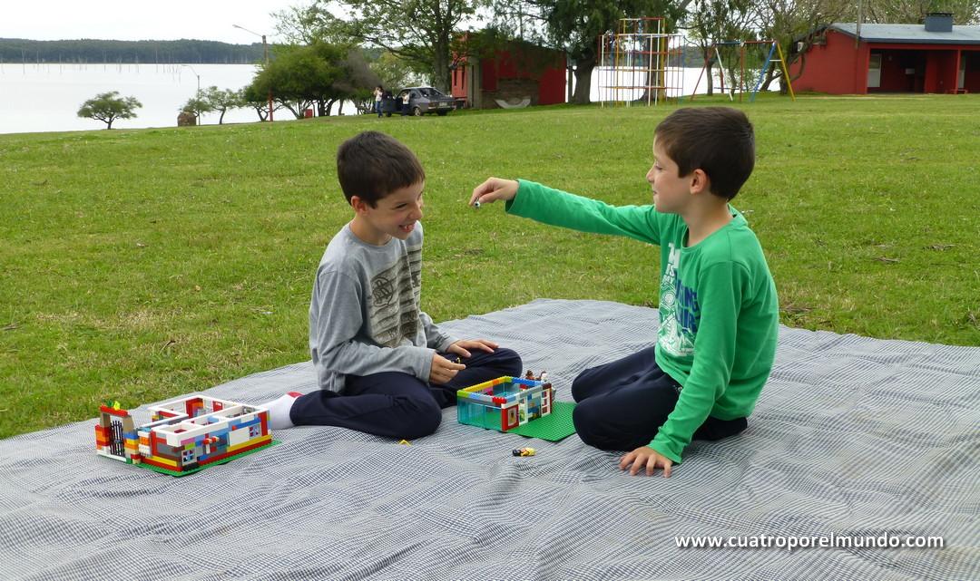 Jugando en el parque Andresito despues de las clases