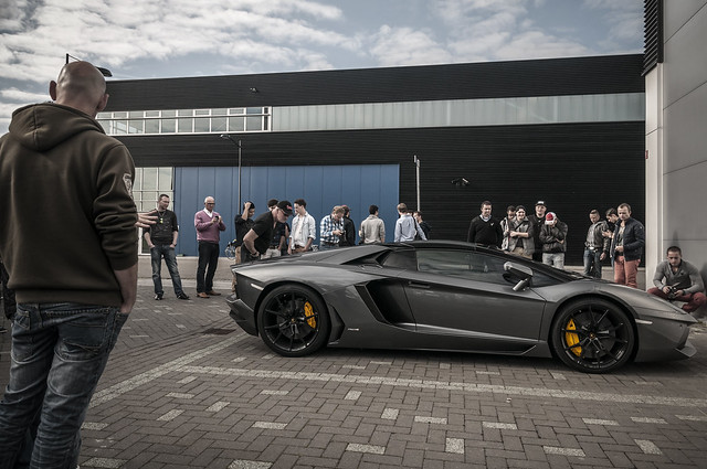 Lamborgihini Aventador LP700-4 Roadster aka crowd pleaser | Explore #18 november 6th 2014