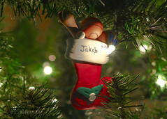snowman(0.0), tree(1.0), christmas decoration(1.0), christmas tree(1.0), christmas(1.0),
