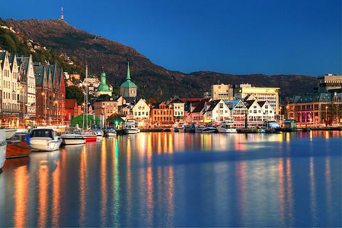 autumn norway harbor norge noruega bluehour bergen hordaland norvegia norvege