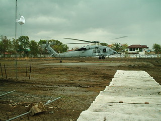 U.S. Military deliviering humanitarian aid to Aceh.
