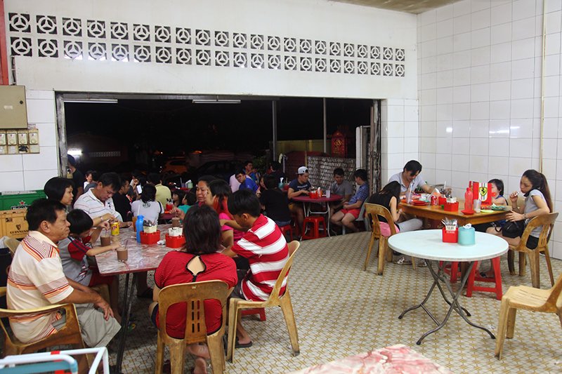 Mamak-Restaurant-in-House