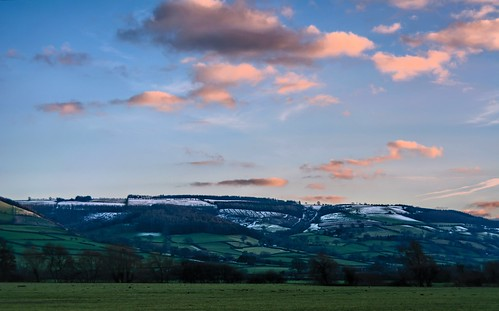 uk winter snow weather countryside nikon day view hills vista viewpoint d7100 adusting nikonafsdxzoomnikkor1855mmf3556gedii