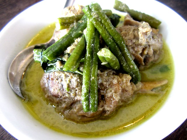 Payung Cafe green curry