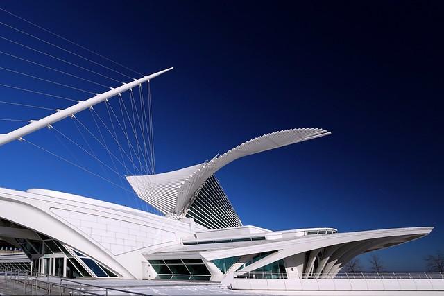 Milwaukee Art Museum - Brise Soleil Winter afternoon