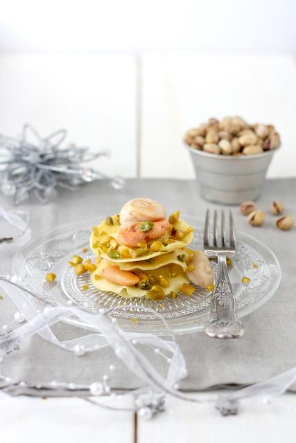 Medaglioni ai funghi porcini con capesante e granella di pistacchi