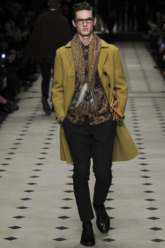 FW15 London Burberry Prorsum007(VOGUE)