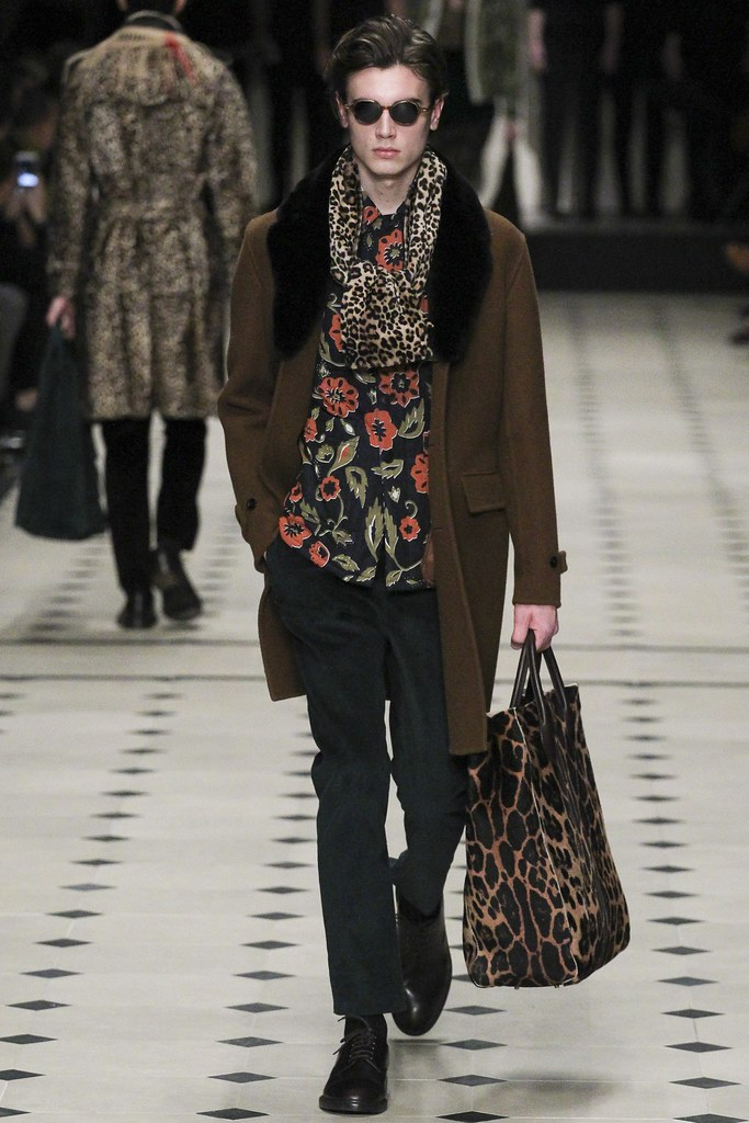 FW15 London Burberry Prorsum022_Eduard Badaluta(VOGUE)