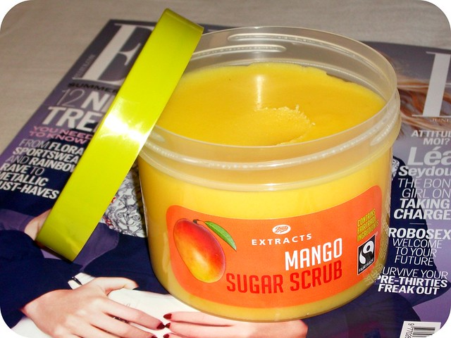 Boots Extracts Mango Sugar Scrub