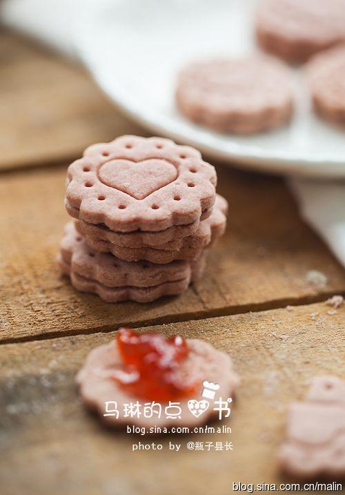 草莓酱夹心小圆饼