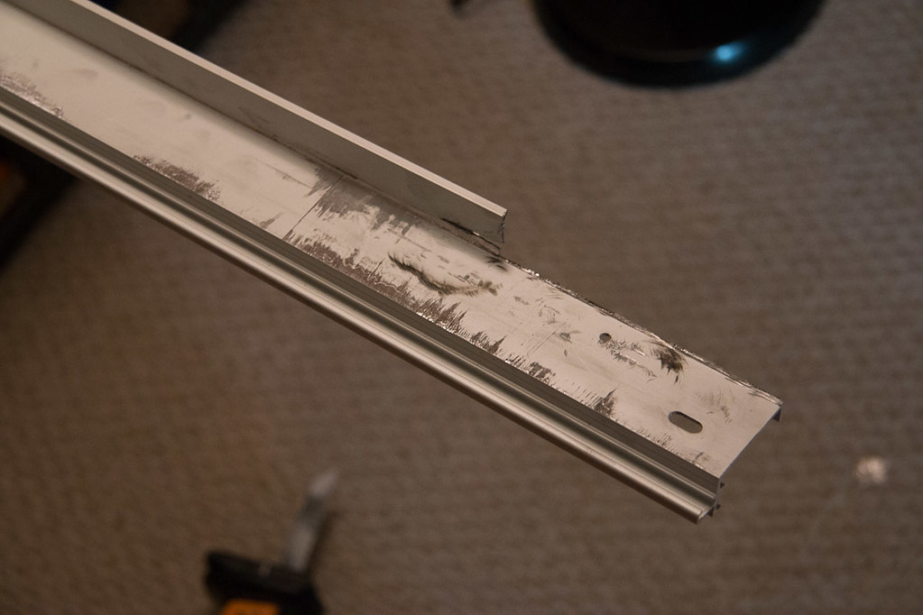 Cutting lip of Ikea Pax door top track