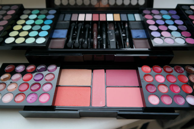 only you make up palette mademoiselles de mode
