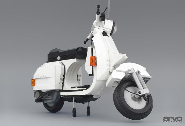 P200 Moto Front