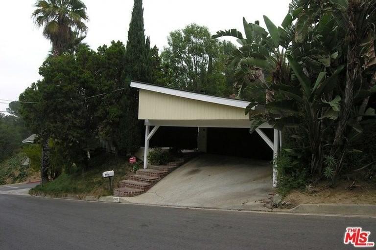 Неприметный дом в Голливуд-Хиллз