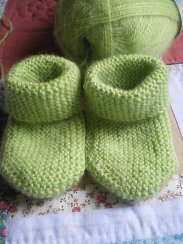 Chaussettes longitudinales à 2 aiguilles pour bébé au point mousse