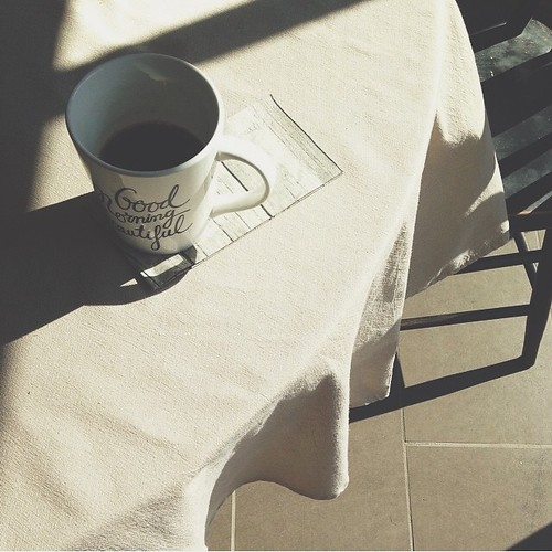 Morning coffee | light and shadows | personallyandrea.com #blogpodium