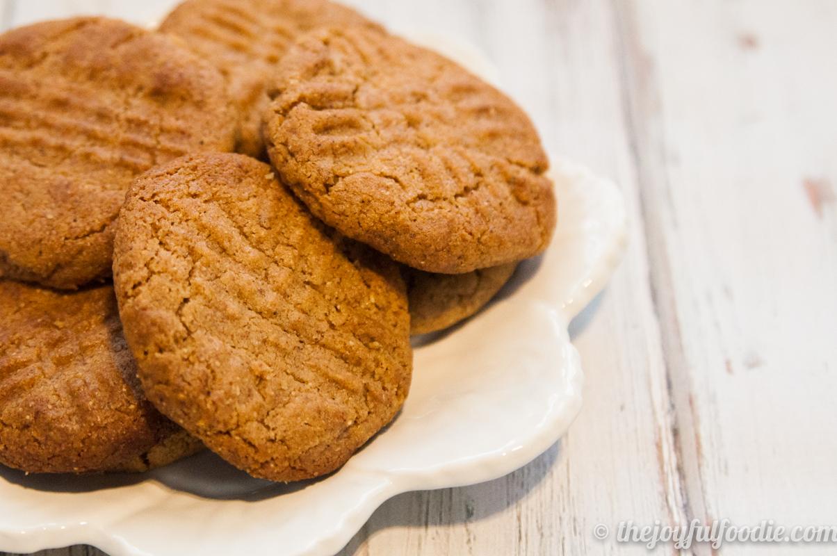 almond-butter-cookies-1
