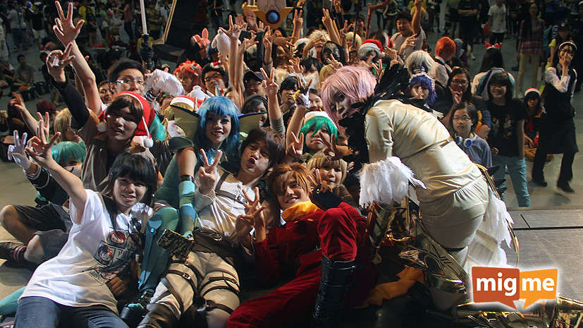 Mega cosplayers selfie at the end of the event