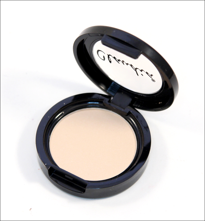 Claudia dreamy nude eyeshadow single