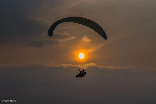 sunset taiwan 南投 夕陽 paragliding puli 埔里 虎頭山 nantou 飛行傘 sigma70300mm tigerheadmountain sonya99