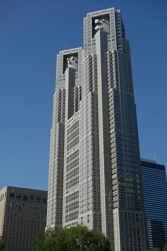 """Shinjuku_13 """"東京都庁第一本庁舎"""" のビルディング写真。"""