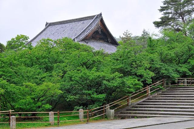 Temple and stairs at Ninnaji
