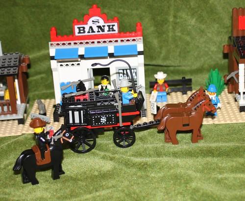 6765_Lego_Western_Main_Street_25