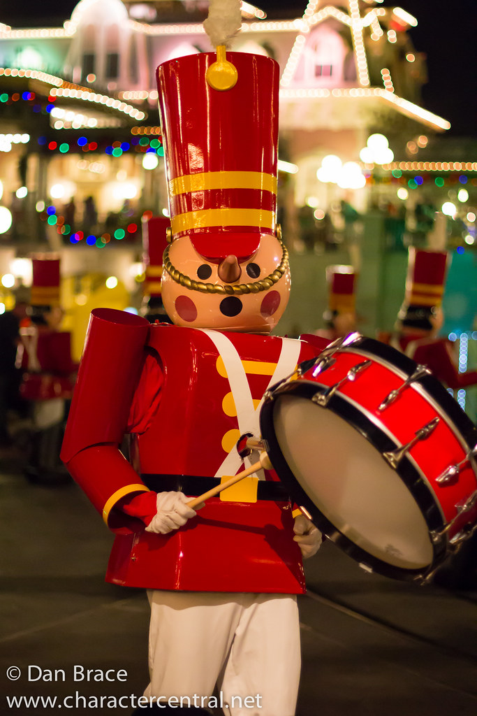Christmas Toys Disney : Toy soldier at disney character central