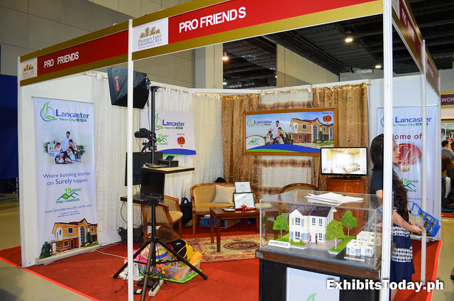 Pro Friends Exhibit Booth