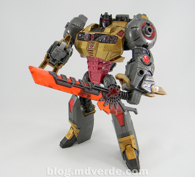 Transformers Grimlock Voyager - Transformers Generations Fall of Cybertron - modo robot